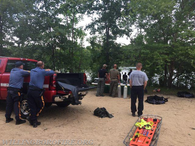 NJ State Police personnel performing diving operations